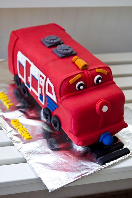 Chuggington Birthday Party  Just Bloomed - Chuggington birthday cake