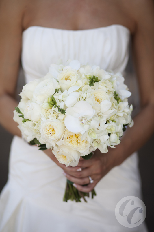 1whitebouquet