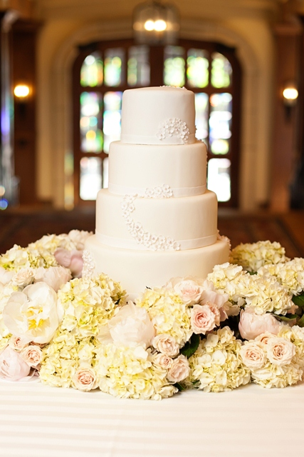 6blush cake flowers